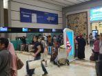 situasi-antrean-check-in-di-terminal-2d-bandara-soekarno-hatta-rabu-18122019.jpg