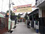 spanduk-larangan-parkir-sembarangan-di-rw022-kelurahan-harapan-jaya.jpg