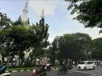 suasana-arus-lalu-lintas-di-depan-masjid-istiqlal-dan-gereja-katedral-jakpus.jpg
