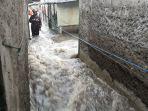 suasana-banjir-melanda-permukiman-warga-jatipadang-1.jpg