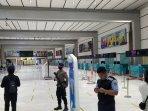 suasana-check-in-di-terminal-2e-bandara-soekarno-hatta-masa-new-norrmal.jpg