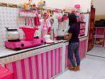 suasana-dapur-annastasia-sindi-yang-berwarna-pink.jpg
