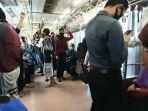 suasana-penumpang-krl-keberangkatan-stasiun-tanah-abang-menuju-depok.jpg