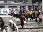 suasana-stasiun-jatinegara-pada-harj-pertama-pengoperasian-jalur-double-double-track.jpg