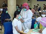 suasana-vaksinasi-massal-covid-19-minggu-3112021.jpg