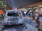 taksi-online-hangus-terbakar-di-kawasan-jala-kh-noer-ali-kota-bekasi-1172020.jpg