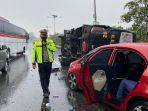 tampak-kendaraan-yang-terlibat-kecelakaan-di-tol-jagorawi-makasar-jakarta-timur.jpg