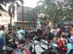 tempat-parkir-di-pasar-perumnas-klender-duren-sawit-jakarta-timur.jpg