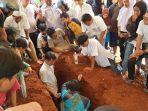 tempat-peristirahatan-terakhir-rf-16-remaja-yang-ditemukan-tewas-pagi-tadi-dekat-masjid-istiqlal.jpg