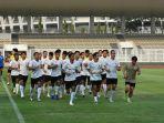 timnas-indonesia-melakukan-sesi-latihan-di-stadion-madya-kemarin.jpg