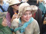titiek-soeharto-menghadiri-unjuk-rasa-di-dekat-gedung-mk.jpg