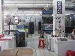 toko-elektronik-di-pasar-proyek_20180906_131325.jpg