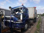 truk-kontainer-berpelat-b-9812-gu.jpg