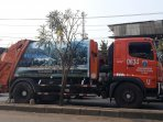 truk-sampah-jakarta_20181022_193218.jpg
