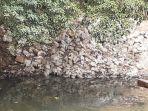 tumpukan-karung-berisi-bebatuan-di-bantaran-sungai-ciliwung.jpg