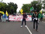 unjuk-rasa-mahasiswa-menolak-pengesahan-uu-cipta-kerja-kamis-15102020.jpg