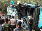 video-detik-detik-evakuasi-kecelakaan-truk-tangki-vs-bus-rosalia-indah.jpg