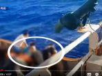 viral-video-yang-merekam-detik-detik-jenazah-anak-buah-kapal-abk.jpg