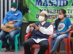 warga-menunggu-antrean-vaksinasi-covid-19-di-masjid-ash-shalihin.jpg