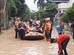 warga-terdampak-banjir-perumahan-villa-jatirasa-bekasi.jpg