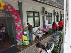 warga-yang-mengikuti-bazar-pemeriksaan-kesehatan-gratis.jpg