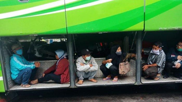 Mulai Masuk Bagasi Bus, Toilet hingga Naik Truk Jadi Modus Baru Penyelundupan Pemudik