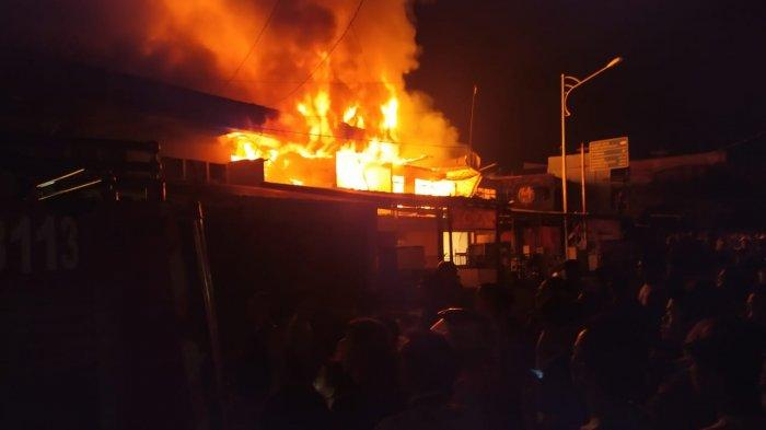 BREAKING NEWS, Belasan Ruko dan Rumah di Sungai Penuh Ludes Terbakar, Damkar Kerahkan 11 Armada