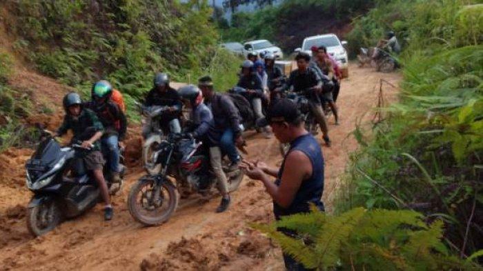 Sempat Tertutup Tanah Longsor, Jalan Batang Asai-Sarolangun Kini Sudah Bisa Dilalui Kendaraan