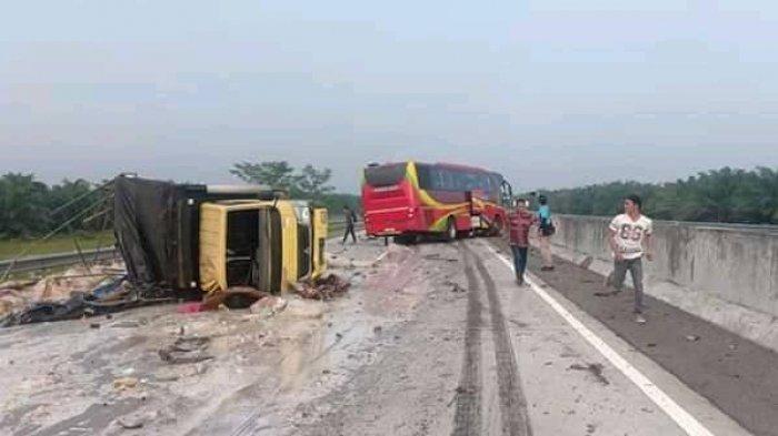 Kecelakaan di Jalan Tol Tebingtinggi-Medan, Truk vs Bus 7 Luka-luka