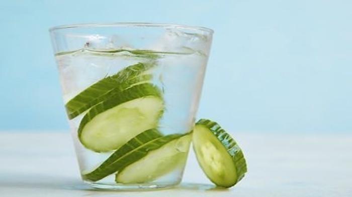 Minum Air Rendaman Mentimun Secara Rutin - Bisa Perkuat Imun, Buat Ginjal Sehat, Hilangkan Bau Mulut