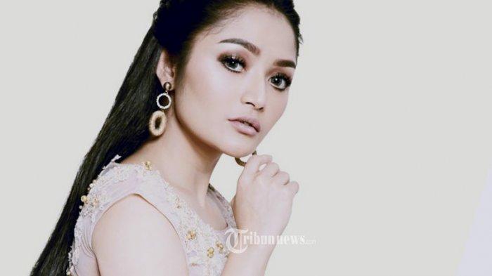 Lagi Syantik Siti Badriah Hasilkan Uang Segini Hanya Dari Youtube, Bikin Melongo