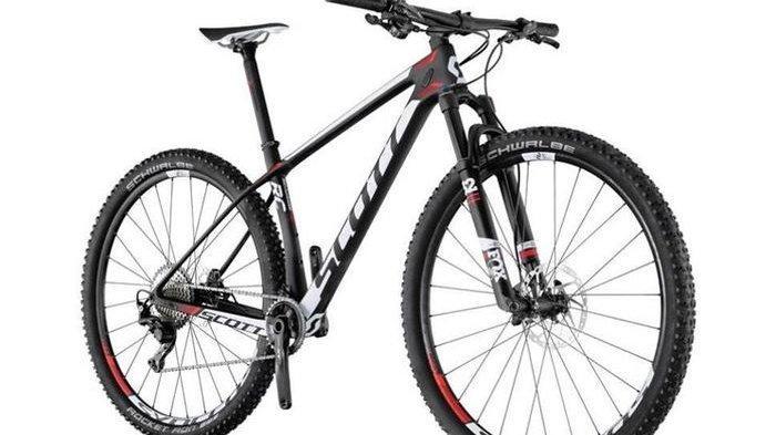 Pilihan Sepeda yang Bisa Dipakai Segala Medan & Harganya - Scott Scale RC 900 Pro, Polygon