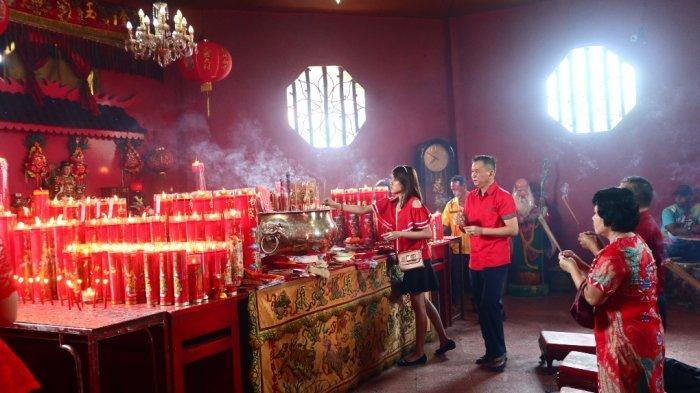 Perayaan imlek di Vihara Putra Maitreya Kota Jambi.