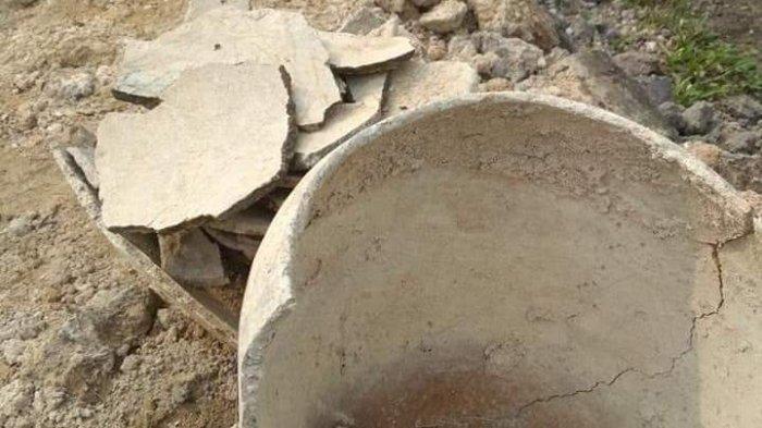 Cangkul Bustami Bongkar Tempayan Kubur, Warga Kaget Diduga Pemakaman Masa Lampau