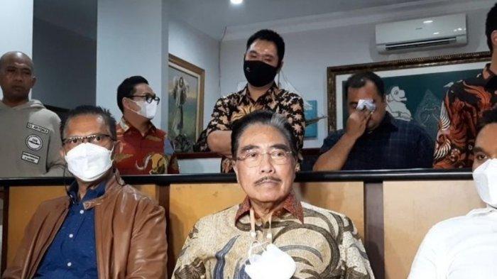 Hotma Sitompul saat ditemui di kantor Lembaga Bantuan Hukum (LBH) Mawar Saron, Sunter, Jakarta Utara, Selasa (6/4/2021) malam.