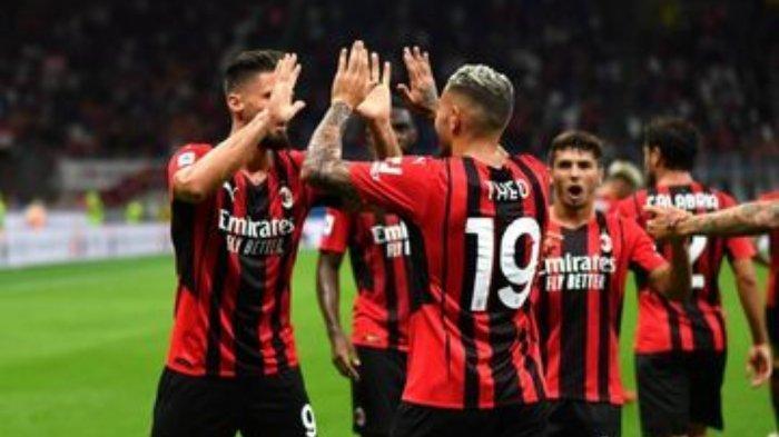 Strategi Pelatih AC Milan Kawinkan Zlatan Ibrahimovic dan Oliver Giroud di Lini Depan