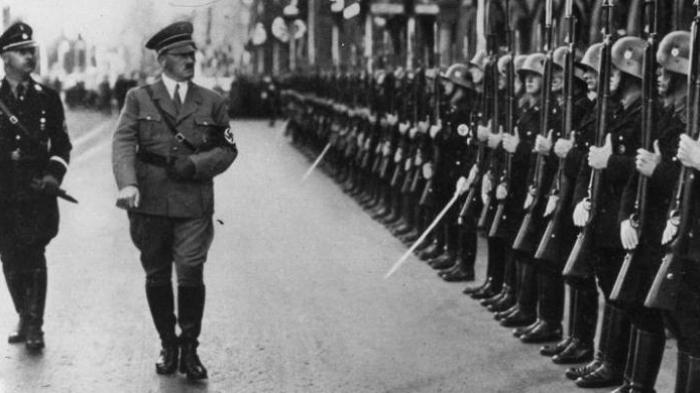 Tatkala Wanita Prancis yang Dijajah Jerman Jatuh ke Pelukan Tentara Nazi: Begini Kisah Asmaranya