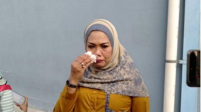 Elly Sugigi Di-bully Warganet karena Komentar di Instagram Hana Hanifah, Live Musik
