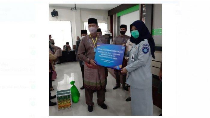 100 Paket Sembako diserahkan Jasa Raharja kepada Forum CSR Pemkot Jambi