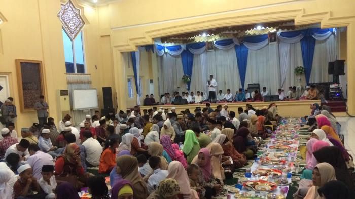 Walikota Jambi Buka Bersama dengan Media dan Penyandang Cacat