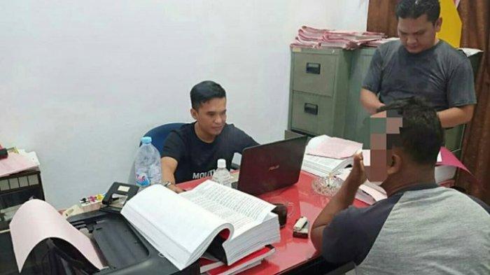 Mantan Kades Talang Emas Ditangkap Tengah Malam, Diduga Rugikan Negara Rp400 Juta