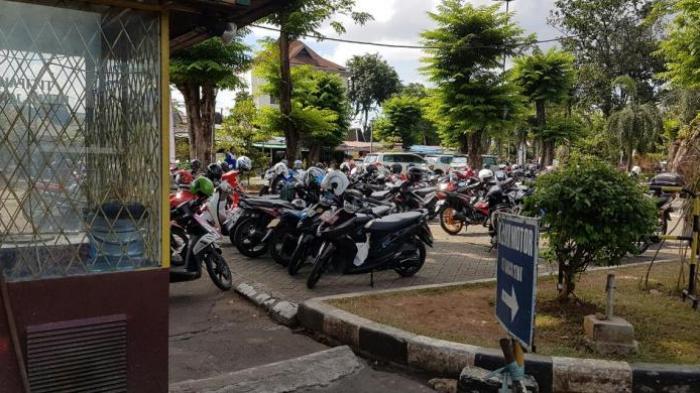 Warga Harap Persoalan Parkir yang Selalu Muncul Tiap Ramadan di Kota Sungai Penuh tak Terjadi Lagi