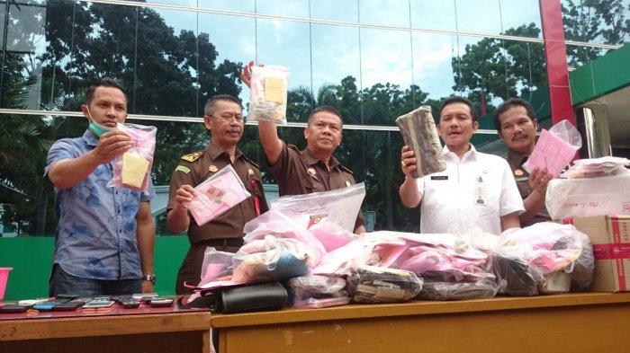 BREAKING NEWS - Ratusan Paket Sabu, Ganja dan Ekstasi Dimusnahkan di Kejari Jambi