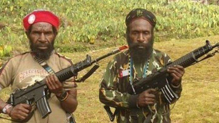 Pimpinan KKB Goliath Tabuni (kiri) dan Lekagak Telenggeng