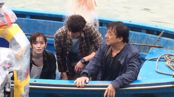 NYAWA Jackie Chan Hampir Melayang saat Syuting Film Ini : Chan Terjebak di Sungai Berarus Deras