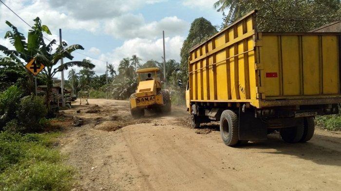 Terkendala Jalan Non Status, Begini Cara Pemkab Tanjabtim Perbaiki Jalan Muara Sabak Timur