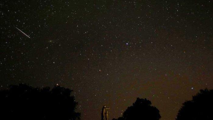 Hujan Meteor Perseid Masih Bisa Dilihat Nanti Malam. 50-75 Meteor Hiasi Langit
