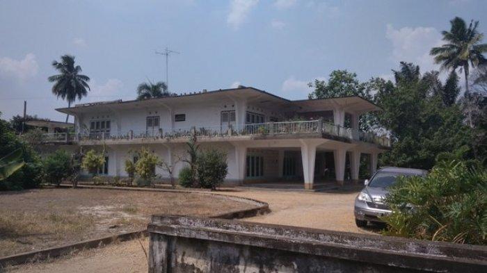 Melongok Rumah Kolonel Abunjani, Ada Banyak Relief, Ruang Bawah Tanah dan Asa pada Pemerintah