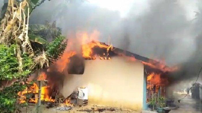 Diduga Api dari Tungku Tiga Bedeng di Bungo Ludes Terbakar, Hanya Tinggal Ayam di Kandang