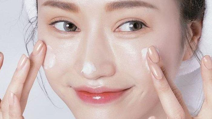 Cara Menggunakan Skincare Agar Dapat Hasil Yang Maksimal, Ada Urutannya Loh